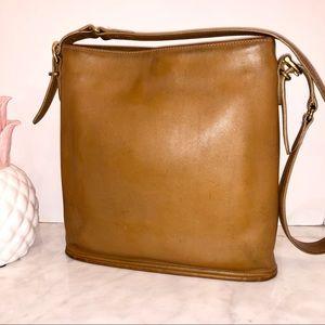 Coach Vintage Equestrian Slim Bucket bag nice 😎💕